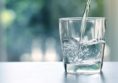 水分補給を行う