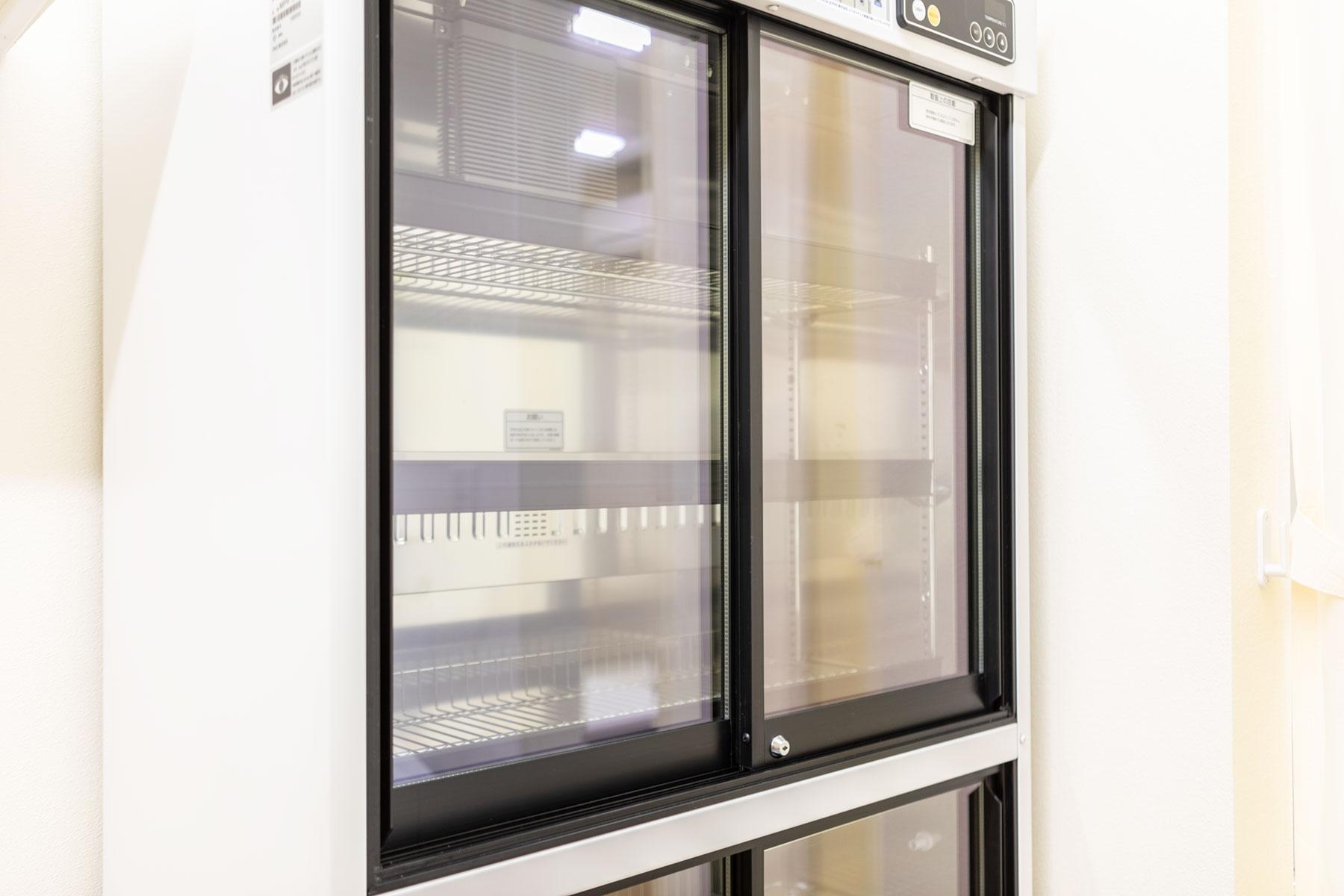 薬品保管用冷蔵庫