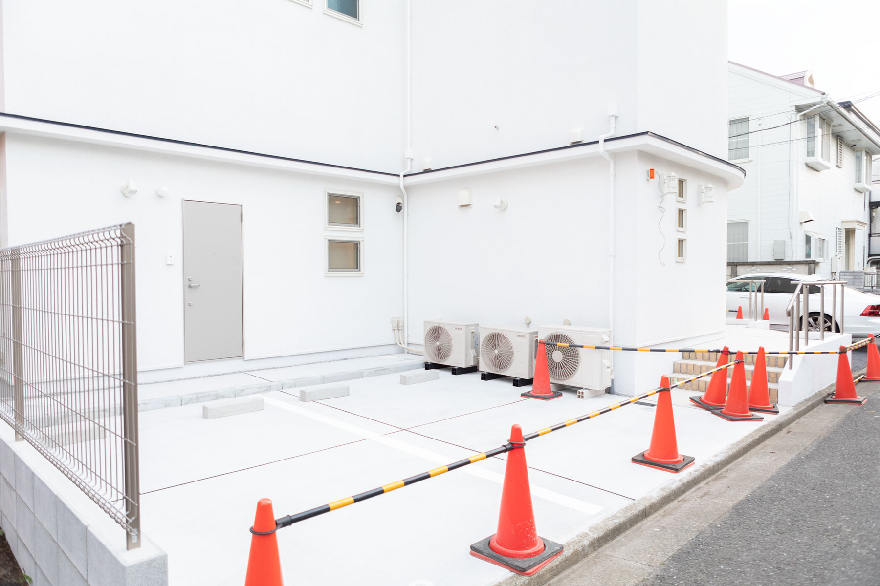 湯川医院 駐車場